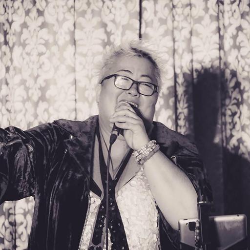 Falusi Mariann, énekesnő, színésznő